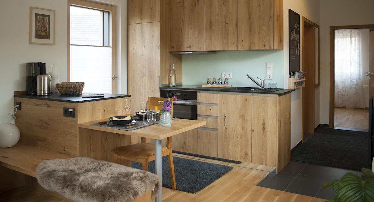 In der Ferienwohnung Newergarten finden Sie eine komplett eingerichtete Küche.